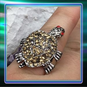 Jewelry - Turtle Ring with Moving Feet & Head